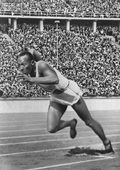 Sprinter Jesse Owens, Berlin, Germany. Athletics/Sports Print/Poster. Sizes: A4/A3/A2/A1 (001548)